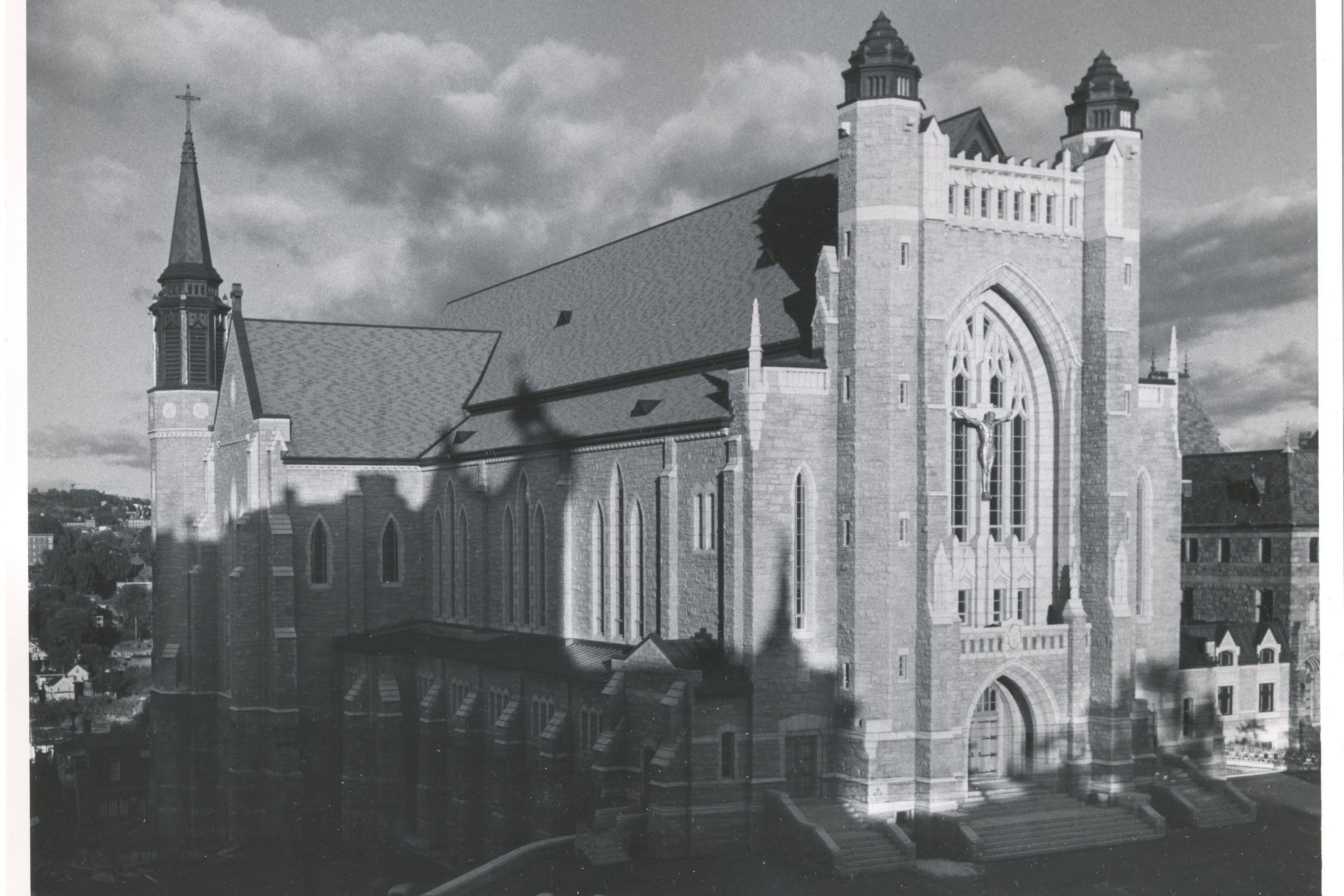 Cathédrale Saint-Michel circa 1950